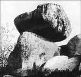 Летучий камень. Фото С.Чернолусского 1929г.